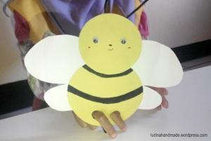 finger-puppet-bee
