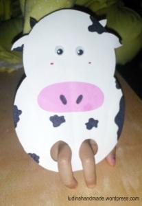 finger-puppet-cow